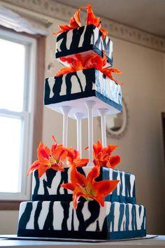 Black and white elegant unique tiered modern wedding cake designs and ideas - wedding and birthday cake pictures Pretty Cakes, Cute Cakes, Beautiful Cakes, Amazing Cakes, Zebra Wedding, Orange Wedding, Striped Cake, Jungle Cake, Birthday Cake Pictures