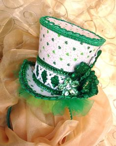 a425c3ea375 Mini-top hat for St. Patrick s Day...want it!