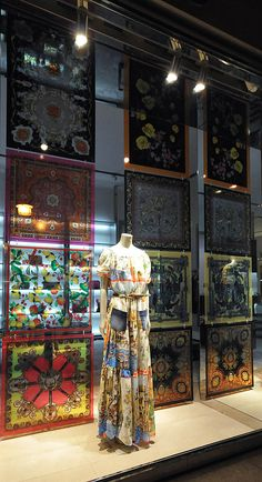 Dolce & Gabbana window displays, Budapest #www.instorevoyage.com #in-store marketing #visual merchandising