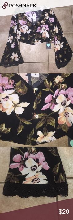 Kendall & Kylie Floral Crop Top Kendall & Kylie. NWOT. Bell Bottom Sleeves. Button up. Floral Print. Lace detail. Kendall & Kylie Tops Crop Tops