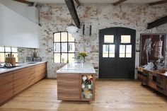 Shoreditch EC1: Warehouse Living : Industrial style kitchen by Increation