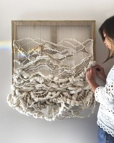 Amazing woven wall hangings by Sydney sisters Crossing Threads – The Interiors Addict – The Exceptional Princess – weberei Weaving Textiles, Weaving Art, Tapestry Weaving, Loom Weaving, Tapestry Wall Hanging, Hand Weaving, Wall Hangings, Weaving Patterns, Quilt Patterns