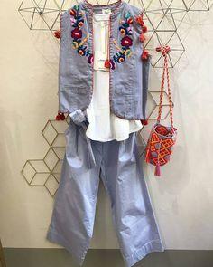 "98 Me gusta, 3 comentarios - mochila milano | Official (@mochilamilano) en Instagram: ""Lovely light blue/lillac/fuchsia outfit, thanks to #roxetteparma #parma #shop #bestseller…"""