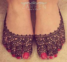Stylish Henna Designs for Feet 2018