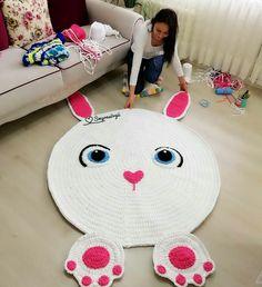 Magic Point | Красота. Творчество. Вдохновение Bubble Quilt, Crochet Bear Patterns, Crochet Designs, Animal Rug, Bear Rug, Knit Rug, Crochet Carpet, Crochet Teddy, Stuffed Toys Patterns