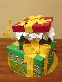 Tarta cajas de regalo navidad Fondant, Gift Box Cakes, Facebook, Desserts, Gifts, Christmas Decor, Cakes, Christmas Sweets, Cakes For Kids
