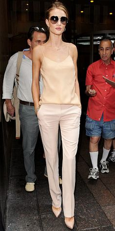 JULY 2011 Rosie Huntington-Whiteley WHAT SHE WORE Huntington-Whiteley sat down with Regis and Kelly in a silk ensemble from The Row and nude stilettos. Mode Outfits, Fashion Outfits, Womens Fashion, Fashion Weeks, Stylish Outfits, Fashion Tips, Style Feminin, Estilo Fashion, Korean Fashion