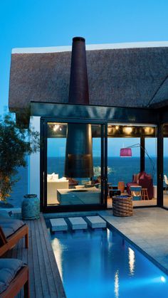 Beach House in South Africa - 13 Fascinating Places Spiced Up with Amazing Architecture Pool Bad, Architecture Design, Amazing Architecture, Beautiful Homes, Beautiful Places, Beautiful Beach, Cape Town South Africa, Deco Design, Cool Pools