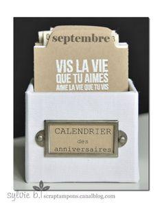 Bonjour :) Un petit projet tout simple et tout en Feuille de papier, fait cet été avant mes vacances : un calendrier des anniversaires avec...