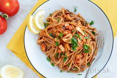Linguine s morskými plodmi v paradajkovej omáčke Linguine, Cottage Cheese, Tofu, Spaghetti, Ethnic Recipes, Noodle
