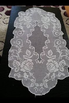 Crochet Placemats, Crochet Doily Patterns, Thread Crochet, Crochet Doilies, Knitting Patterns, Knit Crochet, Crochet Butterfly, Crochet Flowers, Filet Crochet Charts