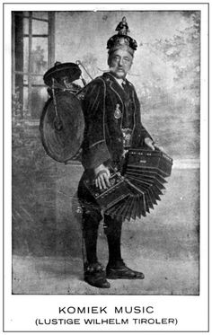 A splendid moustache, a one-man-band and a Chemitzer concertina - with no neck-strap! Antique Photos, Vintage Photographs, Old Photos, Vintage Photos, Folk Musik, Steampunk Illustration, Band On The Run, Sculpture Head, Soul Songs