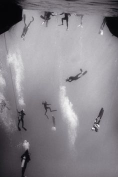 Scuba divers, black & white