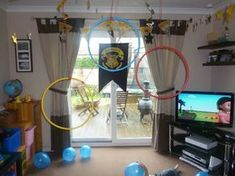 Harry potter party quidditch game - this is an awesome idea for a kid's party!