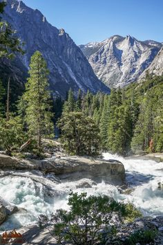 Experience the best hikes and viewpoints in Sequoia and Kings Canyon with this list of things you can't miss -- written by a former park ranger! Beautiful Places In California, Beautiful Places To Visit, Cool Places To Visit, Places To Travel, Places To Go, California National Parks, California Travel, Sierra Nevada, Sequoia National Park