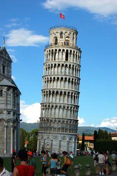 La Torre Pendente di Pisa, eccentrica ambasciatrice d'Italia