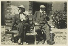 James Joyce with Clovis Monnier, father of Adrienne Monnier, who published the French translation of Ulysses Lucia Joyce, Hadley Richardson, Finnegans Wake, William Faulkner, James Joyce, Writers And Poets, Ernest Hemingway, Playwright, Creative People