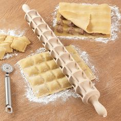Norpro Ravioli Rolling Pin - http://www.differentdesign.it/2013/11/20/norpro-ravioli-rolling-pin/