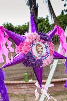 piñatas princesa sofia by eddie Princess Pinata, Princess Sofia Birthday, Sofia The First Birthday Party, 4th Birthday Parties, 2nd Birthday, Themed Parties, Princesa Sophia, Birthday Pinata, Party Decoration
