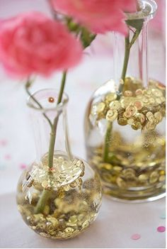 To add a hint of glitz to grocery-store rose bouquets, we floated gold sequins in clear bud vases. Be sure to use vases with narrow openings so sequins will gather at the top. So pretty and so easy! #Princess