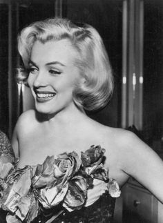 Marilyn Monroe is probably the most iconic figure that emerged from Classic Hollywood. See her eventful life in pictures in the Marilyn Monroe Gallery. Gentlemen Prefer Blondes, Classic Hollywood, Old Hollywood, Most Beautiful Women, Beautiful People, Gorgeous Gorgeous, Mazzy Star, Portrait Studio, Actor