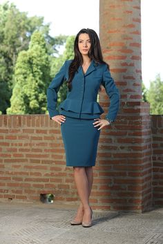 Pine green peplum suit #fashion #yokko #business #outfit