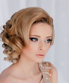 Vintage hairstyles for short to medium hair