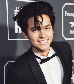 Look at that gorgeous smile! Cole Sprouse is the literal embodiment of of hot! Look at that gorgeous smile! Cole Sprouse is the literal embodiment of of hot! Cole M Sprouse, Cole Sprouse Jughead, Dylan Sprouse, Dylan Y Cole, Cole Sprouse Aesthetic, Cole Sprouse Wallpaper, Zack Y Cody, Riverdale Cole Sprouse, Betty Cooper