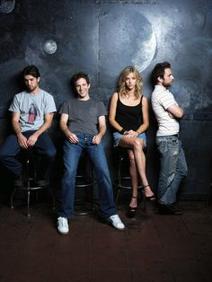 It's Always Sunny in Philadelphia = one of the best shows I have seen hahaha