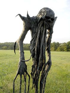 Paper mache scarecrow! Another halloween diy! This would scare me out of the garden......