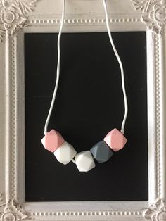 Trendy pink, grey and white silicone teething necklace, 100% food grade silicone beads, geometric silicone beads by LilchicboutiqueLIC on Etsy