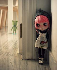 پنهان شدهام در خود/آشفتهتر از خویشم پیدا نشوم بی تو/ ای یار نفس گیرم #لامپ_سوخته Stay with me.....