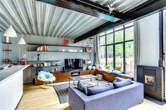 Living room in a loft | Salon dans un loft