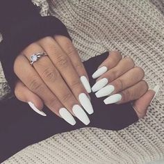 WHITE NAILS! In love with this look! For more inspiration visit www.dontsweathestewardess.com