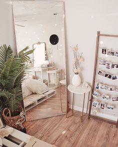 bedroom decor for small rooms \ bedroom decor . bedroom decor for couples . bedroom decor for small rooms . bedroom decor ideas for women . bedroom decor ideas for couples Cute Bedroom Ideas, Cute Room Decor, Room Ideas Bedroom, Home Bedroom, Bedroom Inspo, Small Apartment Bedrooms, Bedroom Designs, Diy Teen Room Decor, Small Bedroom Ideas For Teens