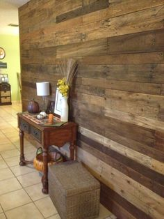Entry pallet wall
