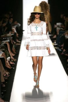 7de19952ff5ea 2005: Michael Kors Spring/Summer 2005 #Runway Show. Bell Sleeve Dress,