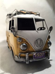 Hey, I found this really awesome Etsy listing at https://www.etsy.com/listing/215708205/vw-yellow-camper-van-split-screen-kombi