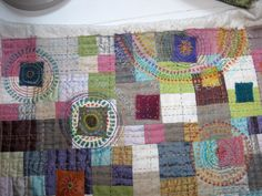 """""""crop circles"""" on the quilt! :)    IMG_7913"""