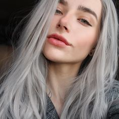 ✎ girls, 2019 hair beauty, dyed hair ve hair makeup. Synthetic Lace Front Wigs, Synthetic Hair, Tumbr Girl, White Ombre Hair, 3 4 Face, Grey Wig, Grunge Style, Textured Hair, Pretty Face