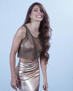 Beautiful Latina, Beautiful Women, Pretty Woman, Colombian Girls, Latin Women, Short Curly Styles, Boutique, Age, Hair Pins