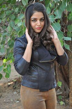 Beautiful attitude of cute girls Beautiful Girl Photo, Beautiful Girl Indian, Most Beautiful Indian Actress, Beautiful Actresses, Cute Girl Pic, Stylish Girl Pic, Cute Girls, Beauty Full Girl, Beauty Women