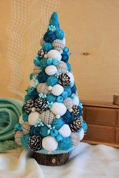 Фотография Pine Cone Christmas Tree, Christmas Mood, Christmas Countdown, Christmas Tree Crafts, Christmas Candle, Holiday Crafts, Christmas 2017, Christmas Ornaments, Christmas Table Decorations