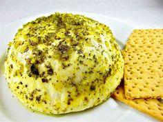 Este queso panela con orégano es una gran botana fácil de preparar que puedes hacer con un día de anticipación.
