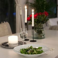 Sunday evening⚘🥗💫 #dinner #athome #timetogether #redroses #goodnight