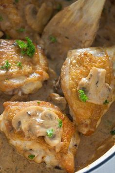 Chicken in a Creamy Mushroom Sauce with Garlic and Parmesan A creamy and delicious mushroom gravy for chicken. Roast your chicken thighs in the oven and serve them with this amazing mushrooms gravy. Mushroom Sauce For Chicken, Garlic Chicken Pasta, Chicken Thighs Mushrooms, Roasted Chicken Thighs, Creamy Mushroom Sauce, Garlic Chicken Recipes, Chicken Gravy, Creamy Mushrooms, Stuffed Mushrooms