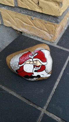 Julemand og kone malet med acryl maling og posca tusser