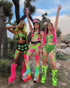 Best Picture For pink Festival Outfits For Your Taste You are looking for something, and it is going Neon Rave Outfits, Rave Girl Outfits, Mode Outfits, Rave Party Outfit, Hippie Rave Outfits, Festival Looks, Edm Festival, Festival Girls, Music Festival Outfits