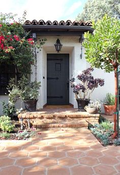 Spanish Revival Architecture - Door and Entry Spanish Colonial Homes, Colonial Style Homes, Spanish Style Homes, Spanish House, Spanish Exterior, Spanish Revival Home, Front Door Paint Colors, Painted Front Doors, Paint Colours