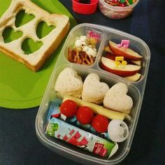 30 Easy And Healthy Toddler Lunch Ideas For Daycare - Lunch Ideas Healthy Toddler Lunches, Toddler Lunch Box, Healthy Sweet Snacks, Healthy School Lunches, Toddler Snacks, Toddler Daycare, Packing School Lunches, Work Lunches, Kids Packed Lunch